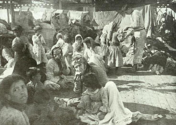 Refugies_arméniens_du_Musa_Dagh_sur_un_croiseur_francais_en_1915